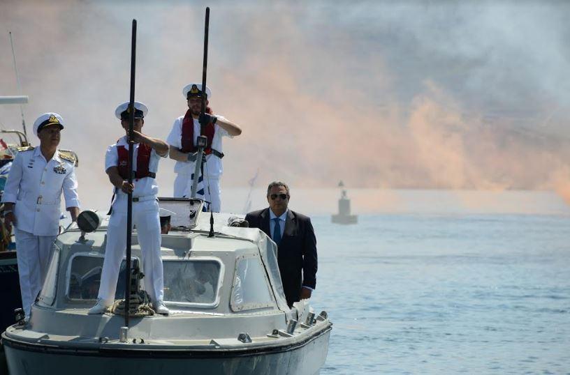 Που βγαίνουμε μαζί μας στο Ναυτικό