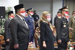Gubernur Arinal Ikuti Upacara Penurunan Bendera