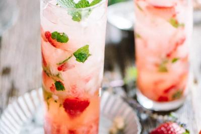 Honey Strawberry Mint Smash