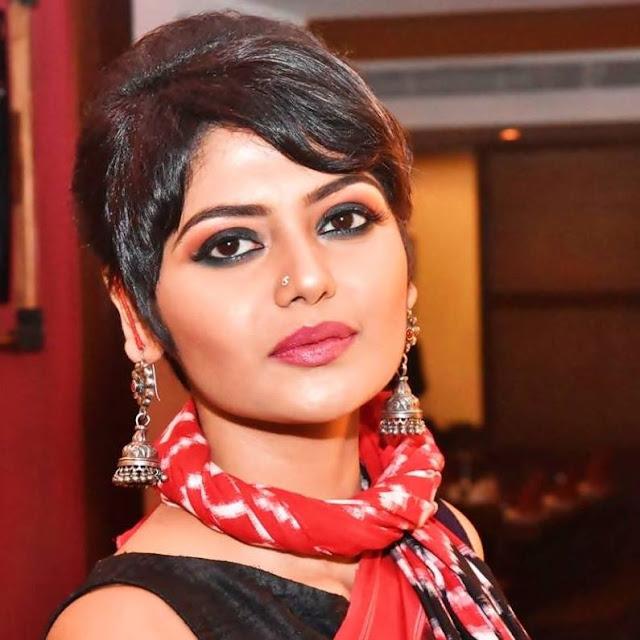 Saayoni Ghosh HD Images