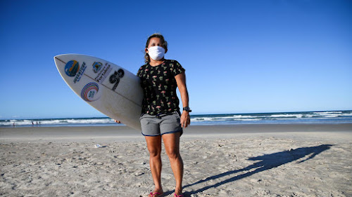 Tetracampeã Do Surfe, Cearense Tita Tavares Tem Casa Ameaçada De Desabar