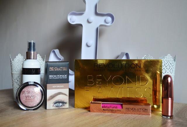 Makeup Revolution - Paletka Beyond Flawness