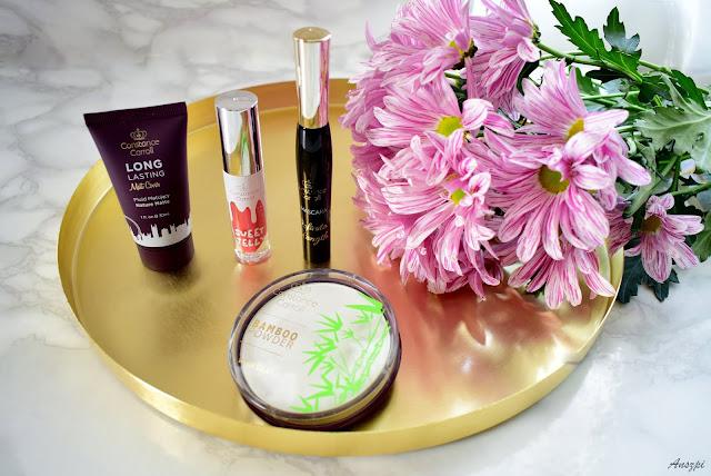 Kolorówka do makijażu Constance Carroll