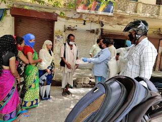 संवाददाता, Journalist Anil Prabhakar.                 www.upviral24.in विश्व मानवाधिकार परिषद यूथ प्रकोष्ठ कर रही है लगातार गरीब असहाय जरूरतमन्द व्यक्तियों की सहायता -डॉ प्रियंक कुमार  World Human Rights Council Youth Cell is constantly helping poor helpless people - Dr. Priyank Kumar