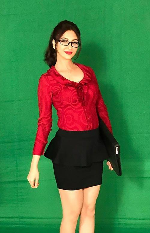 Saumya Tandon indian tv actress bhabhi ji ghar par ahin anita in skirt with glasses