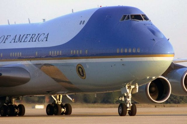 "TRUMP - Airforce One in ""AirRant"" Incident"