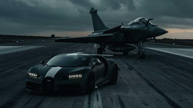 Bugatti Chiron vs  Navy jet in drag race