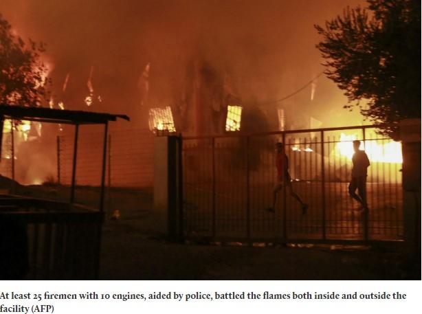 kamp pengungsi di yunani terbakar