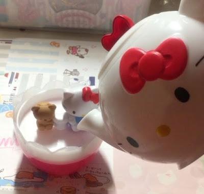 Чашки с серией Hello Kitty из макдональдса