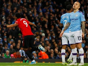 Manchester united beat Manchester City 2-1 in PL week 16
