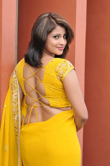 Actress Nadeesha Hemamalini Hot Pics In Yellow Saree Navel Queens