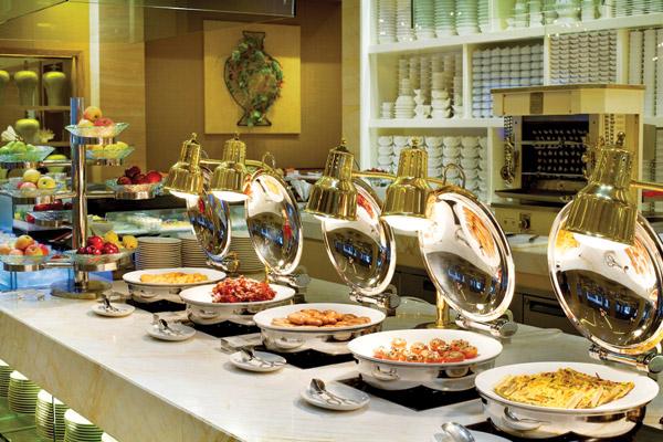 BOLEH MAKAN SEPUAS NYA, Bagaimana Hukum Makan di Restoran All You Can Eat ?