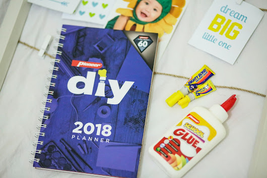 The Pioneer DIY 2018 Planner Review + Giveaway