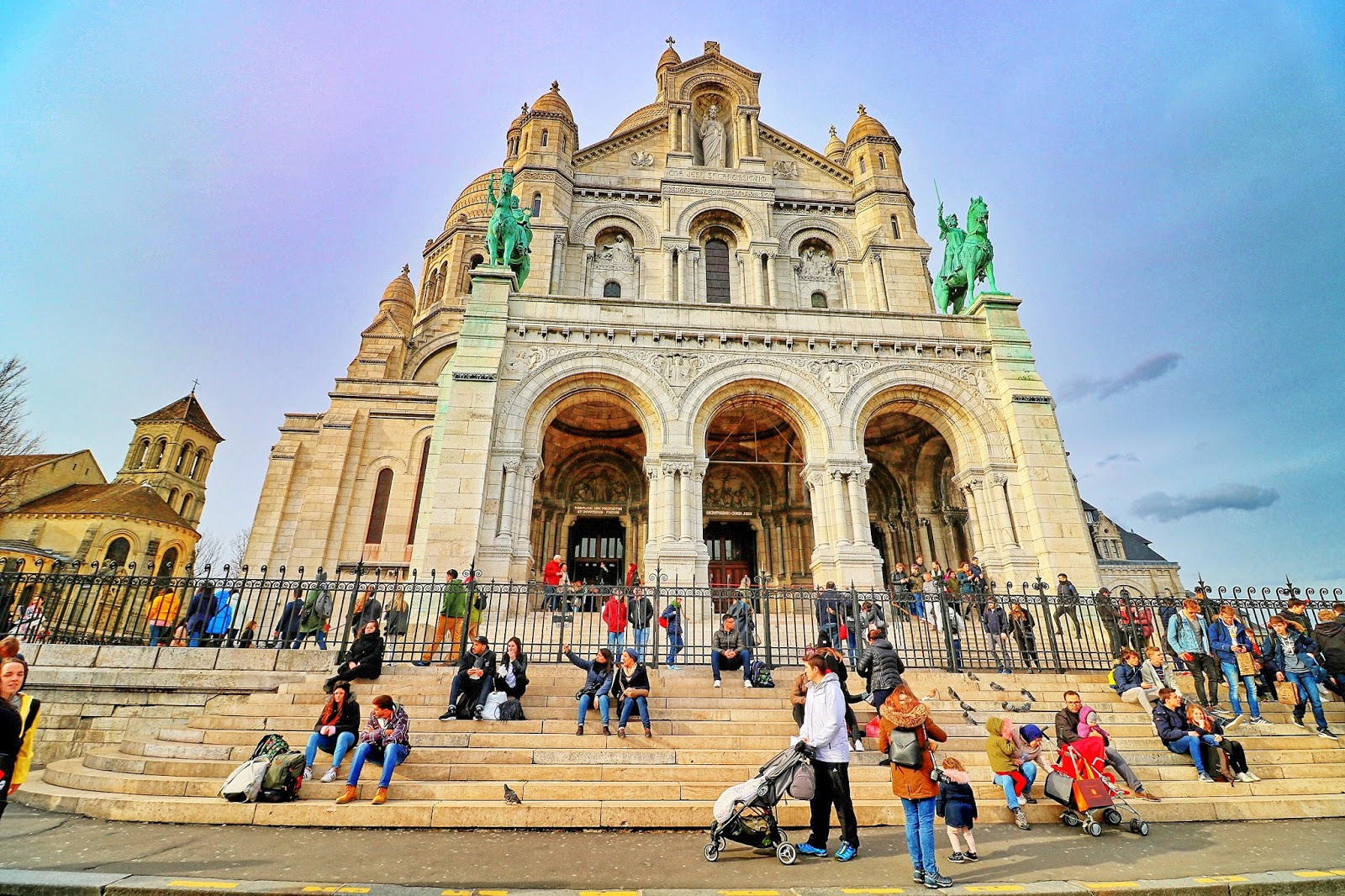 bazylika montmartre paryż