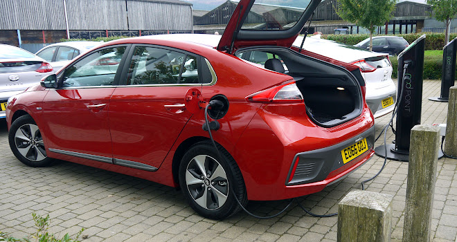 Hyundai Ioniq Electric charging
