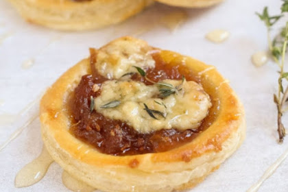 CARAMELIZED ONION & BLUE CHEESE PUFF PASTRY TARTS