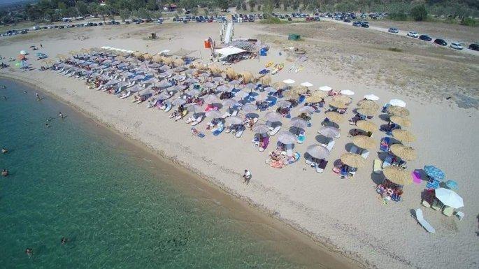 Τι απαντά ο ιδιοκτήτης του beach bar με το wifi «MacedoniaisGreek»