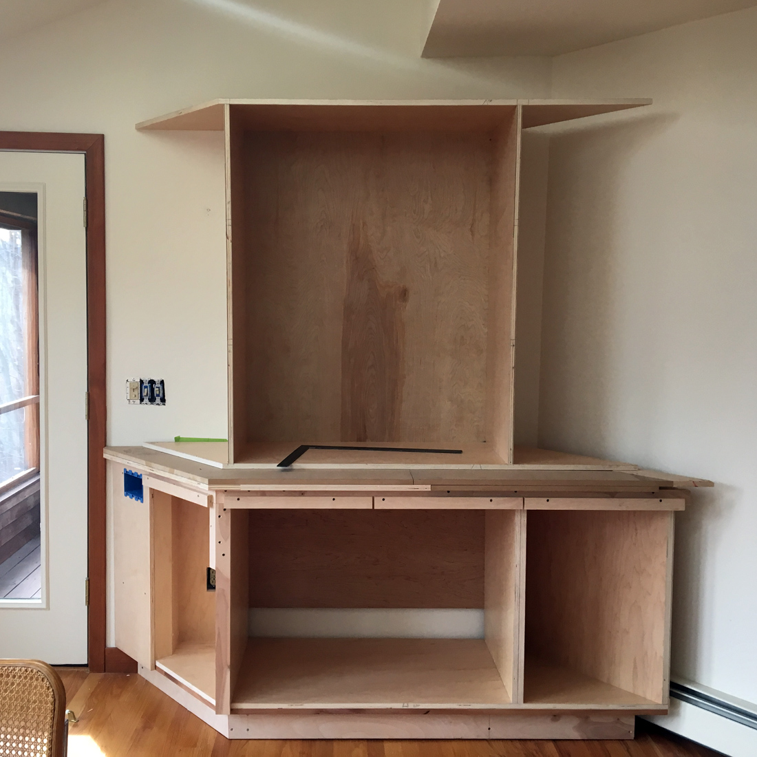 Dorset custom furniture a woodworkers photo journal for Angled kitchen cabinets