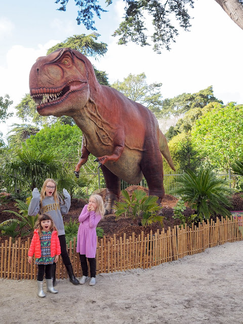girls and t-rex