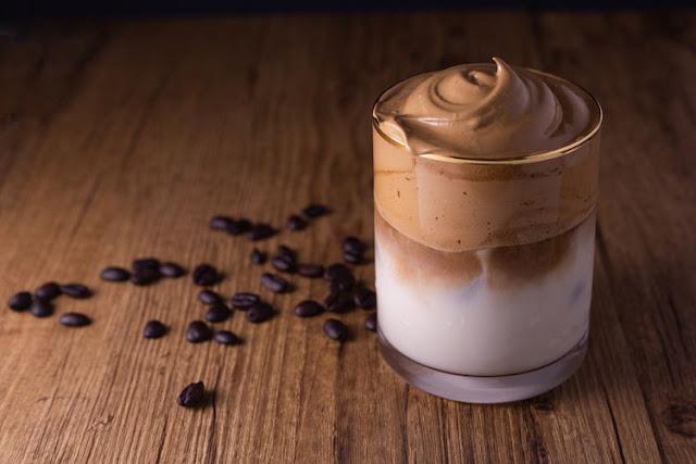 Viral dari Korea, Cara Membuat Dalgona Coffee Hanya 3 bahan, Anti gagal!