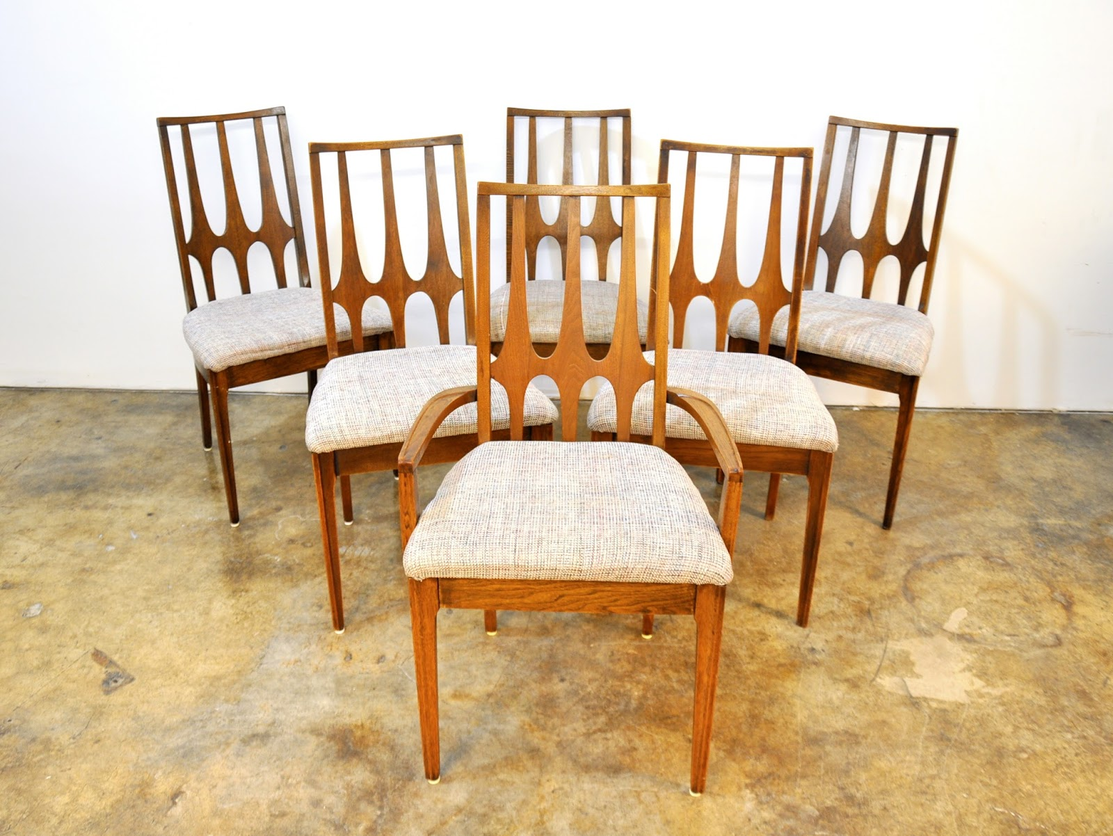 Select Modern Set Of Six Broyhill Brasilia Dining Chairs