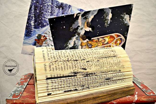 How to Make a Folded Book Christmas Card Display www.homeroad.net