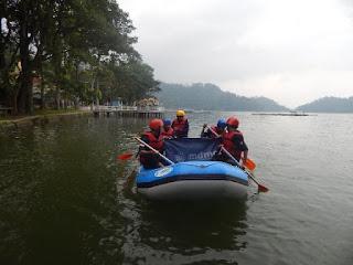 LPB/MDMC Ponorogo Peringati HKN Dengan Berlatih SAR Air