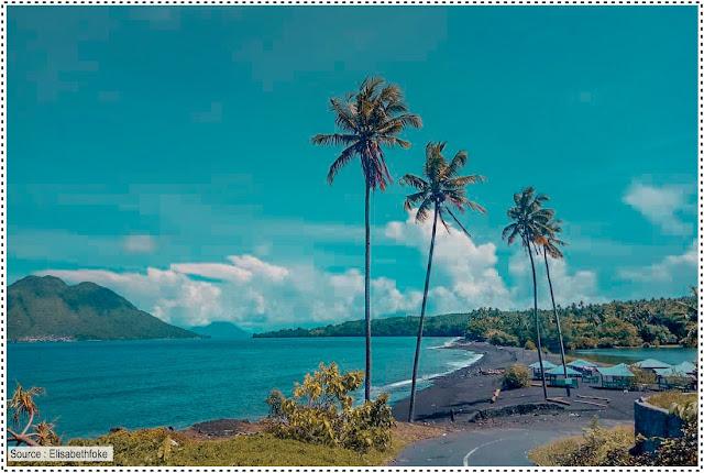 Pantai Tolire kecil di Ternate