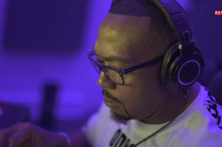 Timbaland Makes A Beat From Scratch
