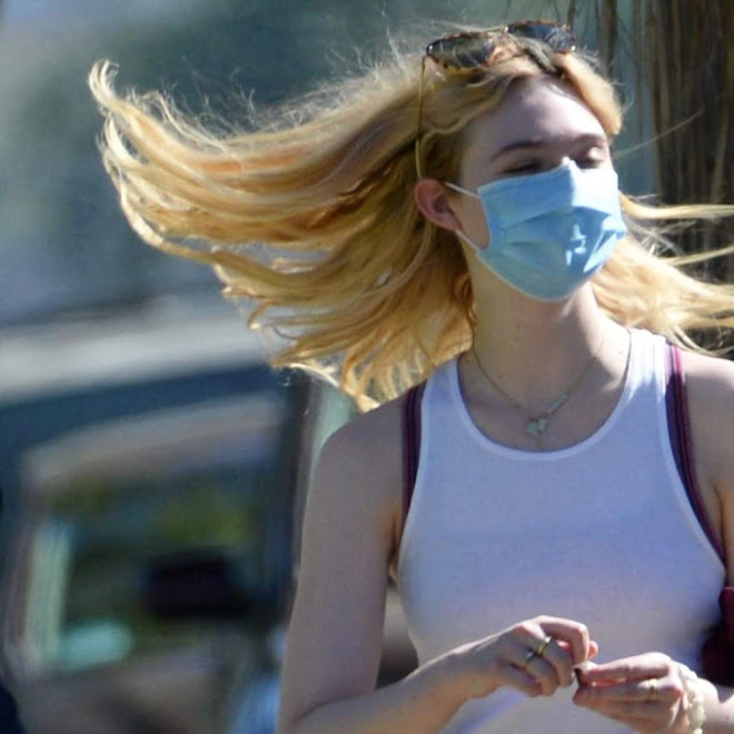 Elle Fanning spotted out in Sherman Oaks : パンデミック・マスクのエルたん ! !