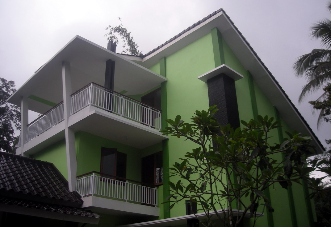 Rumah Minimalis 3 Lantai Model Villa