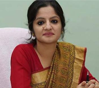 आईएएस छवि भारद्वाज को सरकार ने पद से हटाकर मंत्रालय में पदस्थ कर दिया
