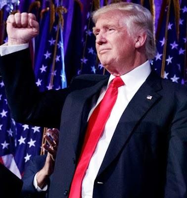 Foto de Donald Trump tras su victoria