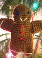 http://www.ravelry.com/patterns/library/gingerbread-cookie-guys