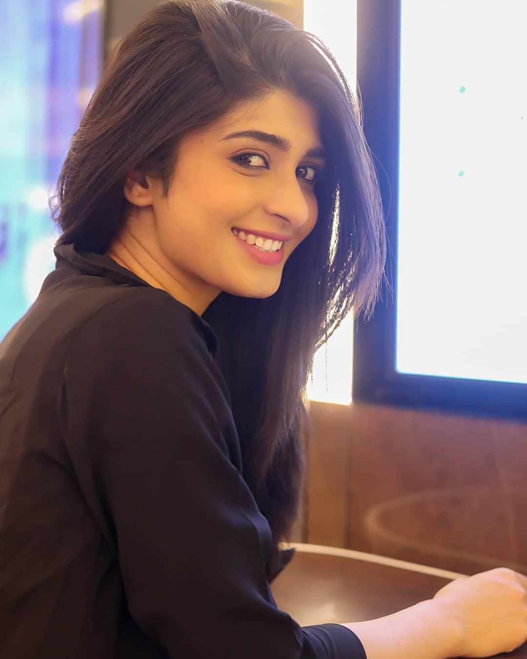 Sandalwood beauty Aditi Prabhudeva' stunning Photo Gallery! 10