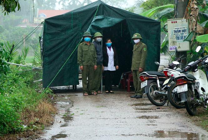 Điều đáng lo về BN 251: Nguy cơ lây lan cho 6 huyện thị ở Hà Nam, phát hiện hơn 600 người liên quan trực tiếp, trong đó người tiếp xúc gần lên đến 129