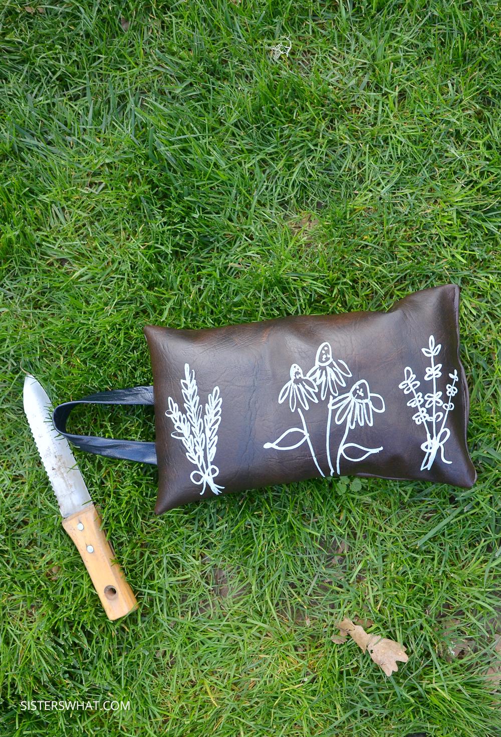 how to sew a garden kneeler