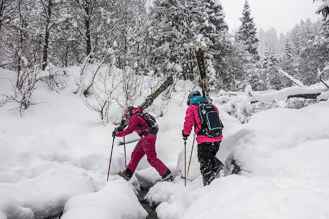 Bachquerungen mit den Skien so gehts problemlos und gefahrlos