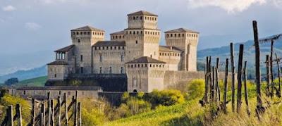 Il Castello di Torrechiara (Parma) - Castelli piu' belli in Italia - luoghi da vedere per gite e vacanze in Emilia
