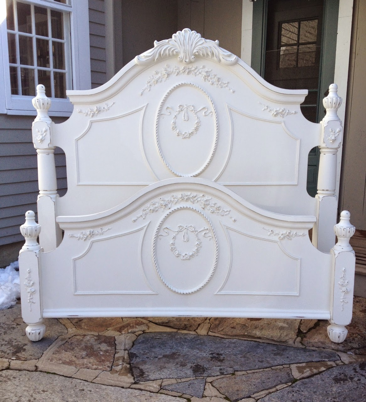 shabby chic queen size beds juniper hill antiques. Black Bedroom Furniture Sets. Home Design Ideas
