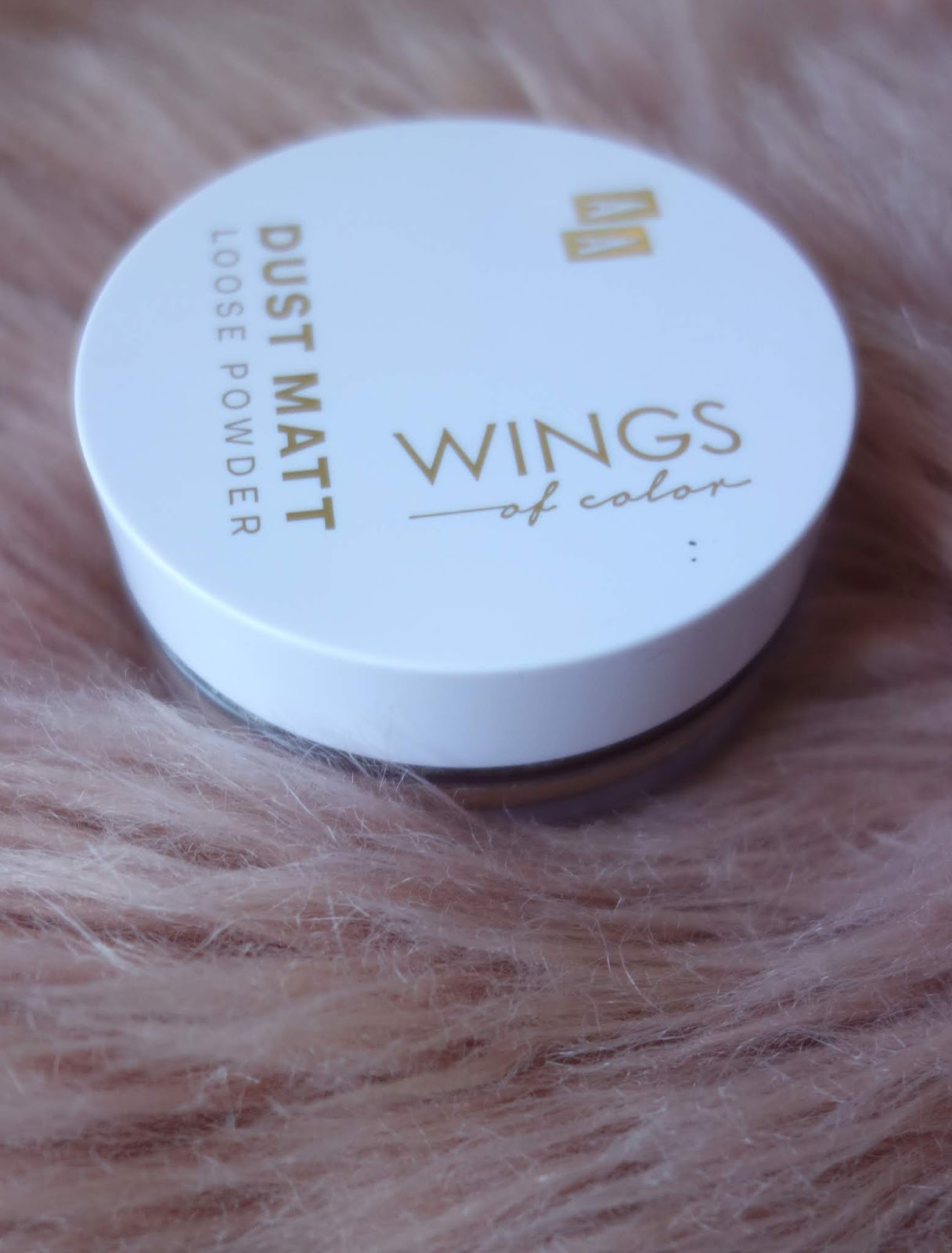 AA Wings of Color Dust Matte Loose Powder   Najlepszy puder sypki z drogerii? Efekt Photoshopa?