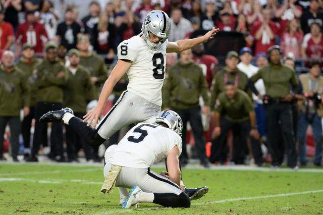 b276f1d82b0 ... 2 for missing all three field goals in a game, kicker Daniel Carlson is  rebounding nicely with the Raiders. ...