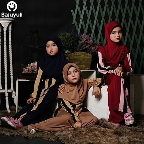Pilih Pakaian Muslimah untuk Anak