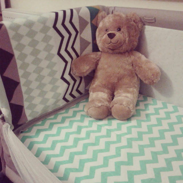 39 weeks, chicco next to me crib, mamas and papas blanket, chevron sheet