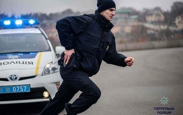 У Львові затриманий чоловік втік з відділення зі зброєю копа
