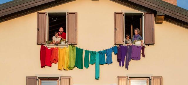 Los italianos en cuarentena muestran su solidaridad.©UNICEF/Giovanni Diffidenti