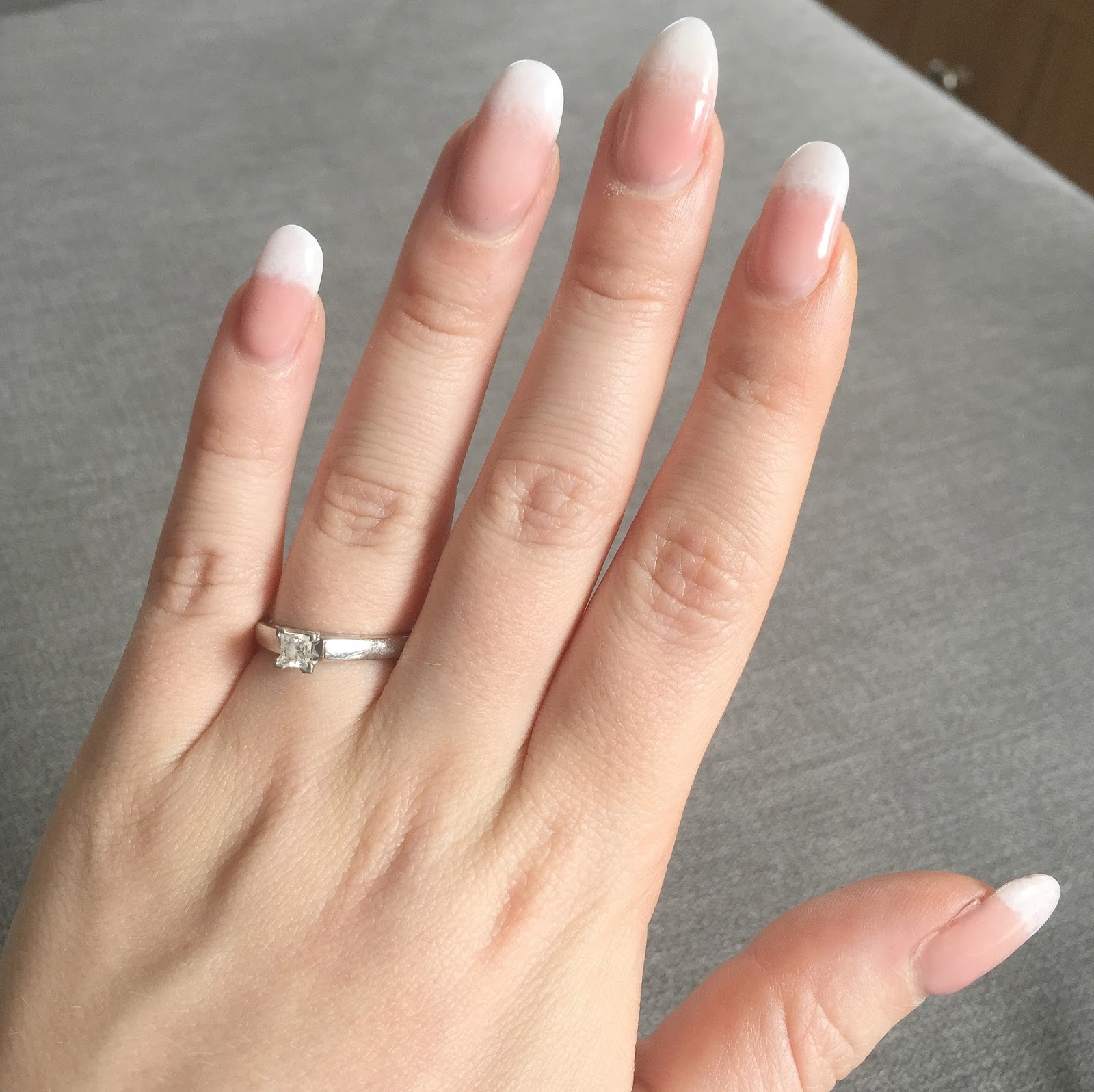 french nails ombre