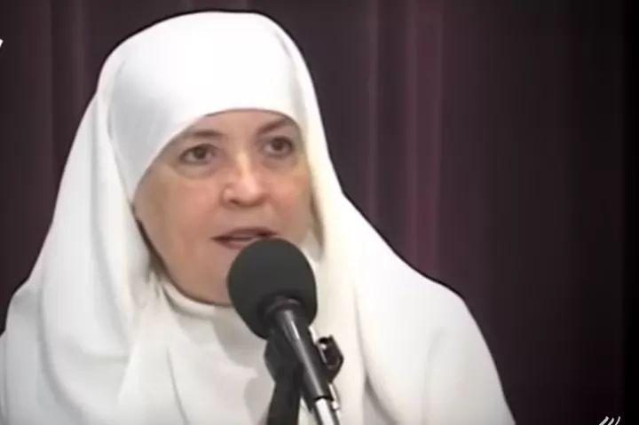 Diane Charles Breslin, Ex-Catholic Asal Amerika yang Masuk Islam