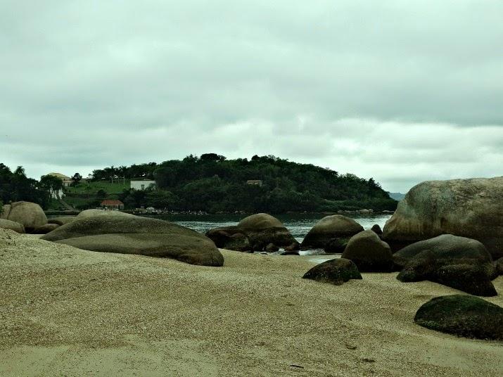 Praia do Sinal e Ilha de Inhatomirim, Governador Celso Ramos