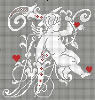 romantico alfabeto con cuori e angioletti da ricamare a punto croce. Schema gratuito